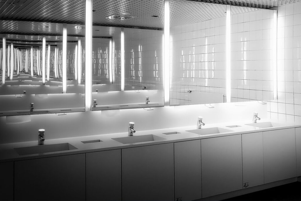 5 tips for choosing a washroom services provider